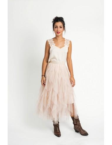 Falda larga de tul color pastel, con volantes y cintura elástica